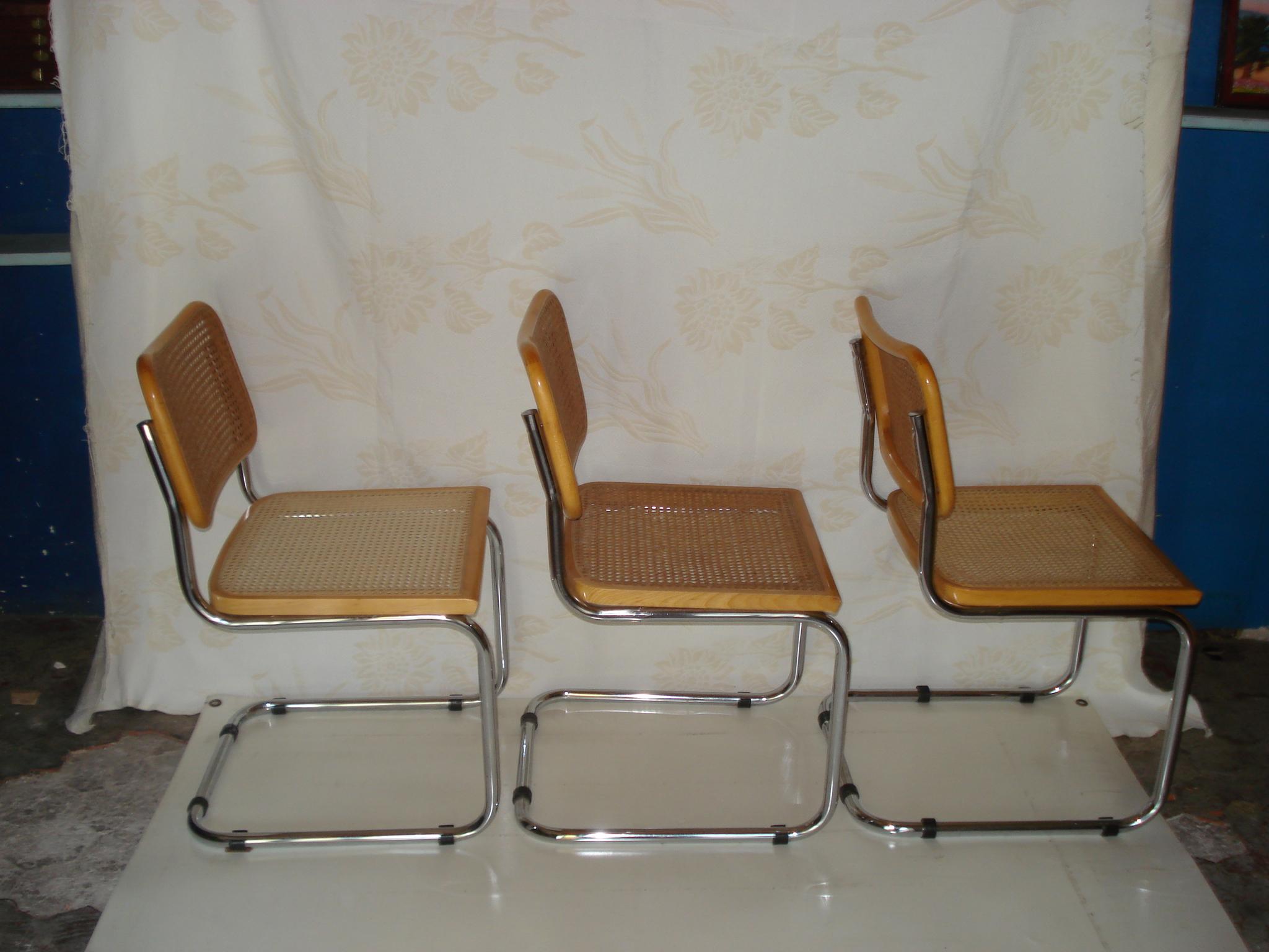 lot de trois chaises cann es pieds luge 60 s vendu lu bee. Black Bedroom Furniture Sets. Home Design Ideas
