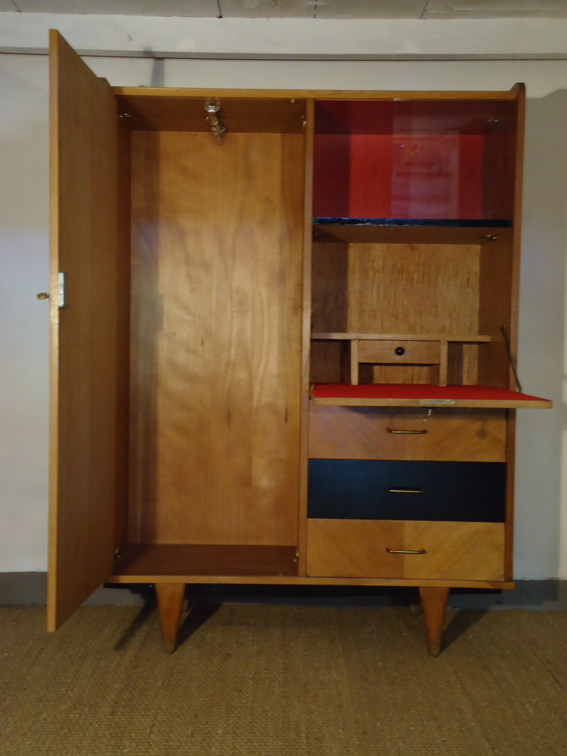 armoire scandinave. Black Bedroom Furniture Sets. Home Design Ideas
