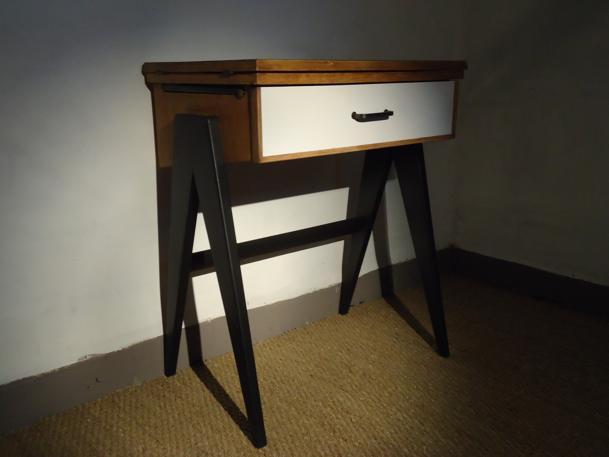 Mini bureau volutif vintage vendu lu bee for Mobilier bureau evolutif