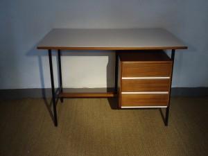 Bureau en bois 1960 vendu lu bee for Meuble bureau 1960