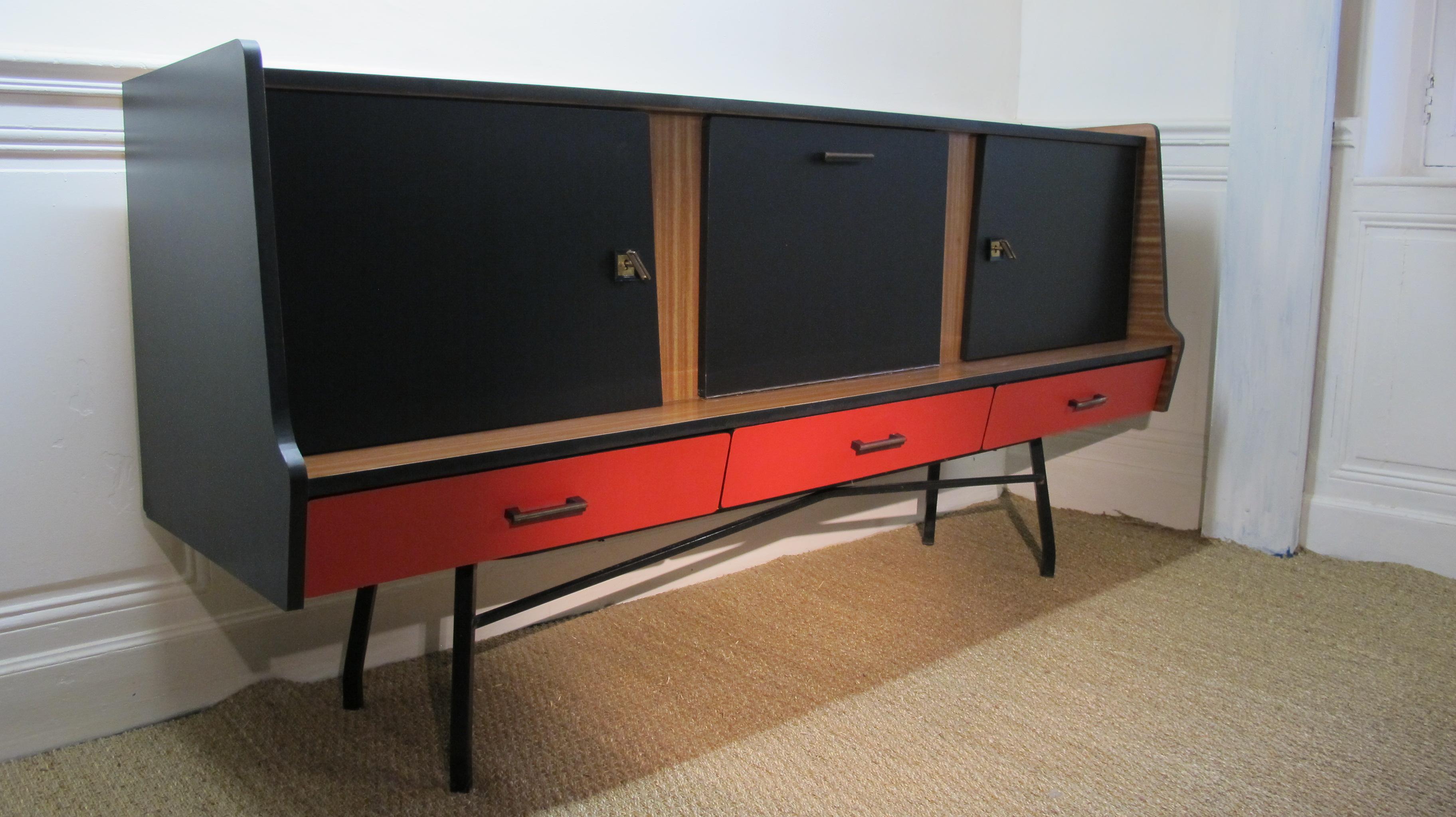 enfilade en formica ann es 1950 vendu lu bee. Black Bedroom Furniture Sets. Home Design Ideas