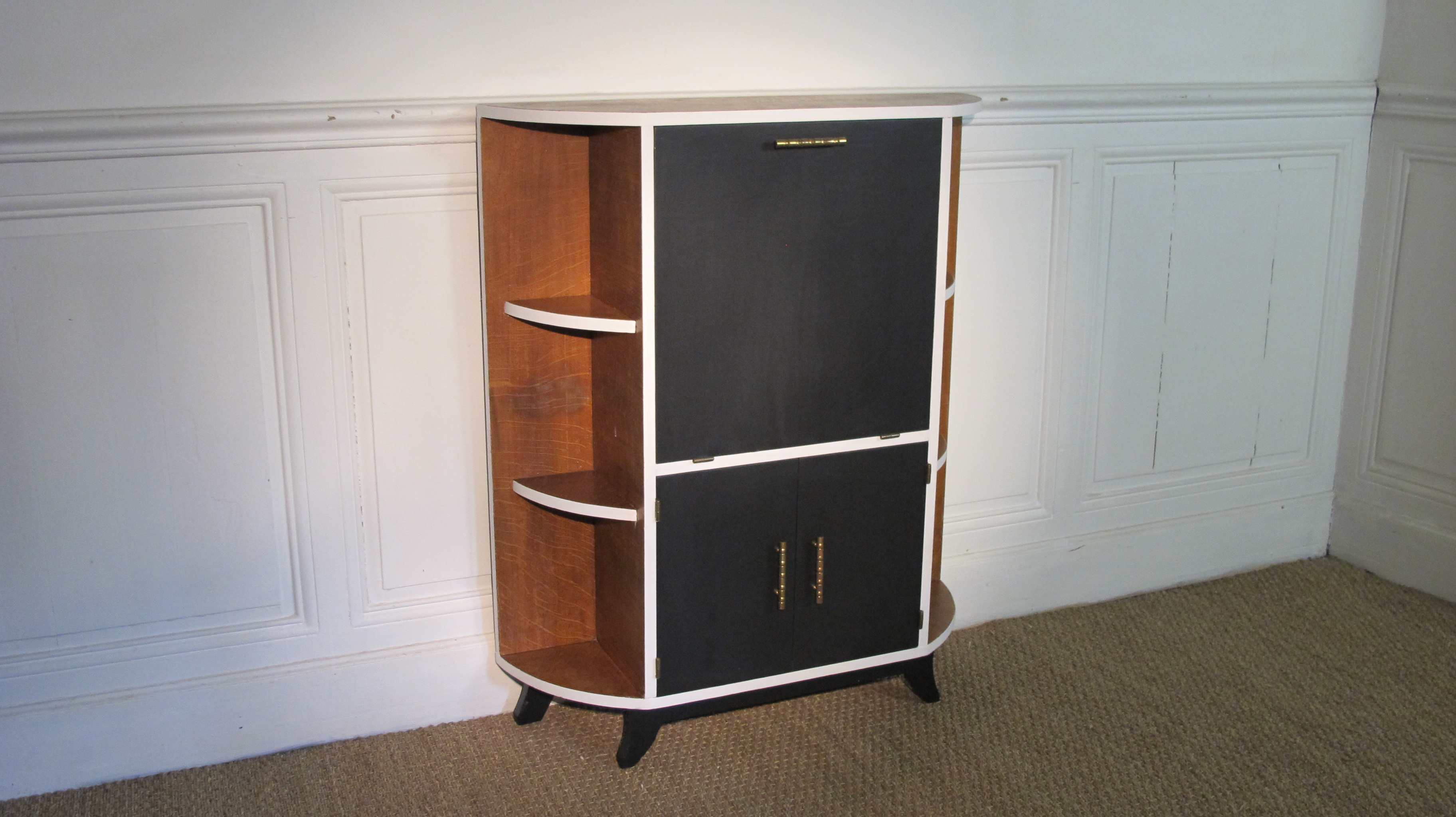 petit meuble art d co vendu lu bee. Black Bedroom Furniture Sets. Home Design Ideas